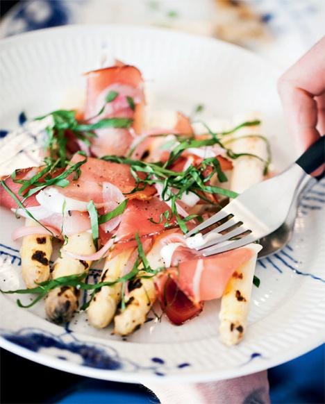 Hvide asparges og skinke