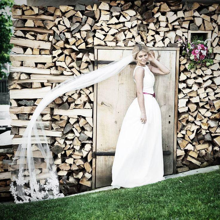 """Brautkleid von Tianvantastique.com #bride #love #sweetheart #hochzeit #handmade #fashion…"""""""