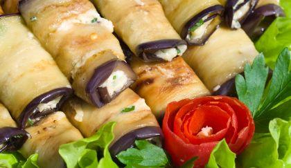 Finger food veloci: involtini di melanzane e pistacchi alla mediterranea | Cambio cuoco