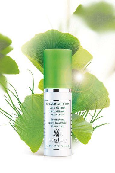 Soin Botanical D-Tox Sisley http://www.vogue.fr/beaute/buzz-du-jour/articles/soin-botanical-d-tox-sisley/18228