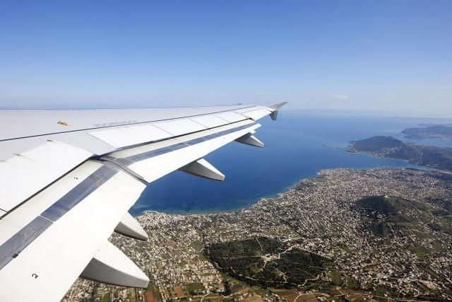Flying to Greece can be expensive, but if you follow these travels tips on deals and specials cheap flights to Greece are almost always possible to find.