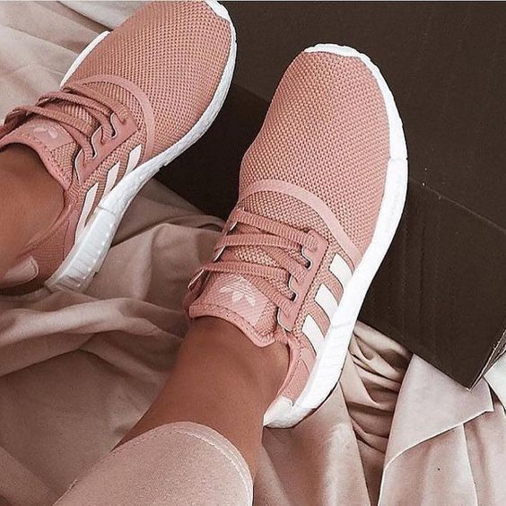 Sneakers femme - Adidas NMD pink (©nmdhype)