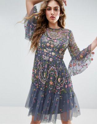 Needle and Thread - Robe courte ornementée à motif floral et libellules