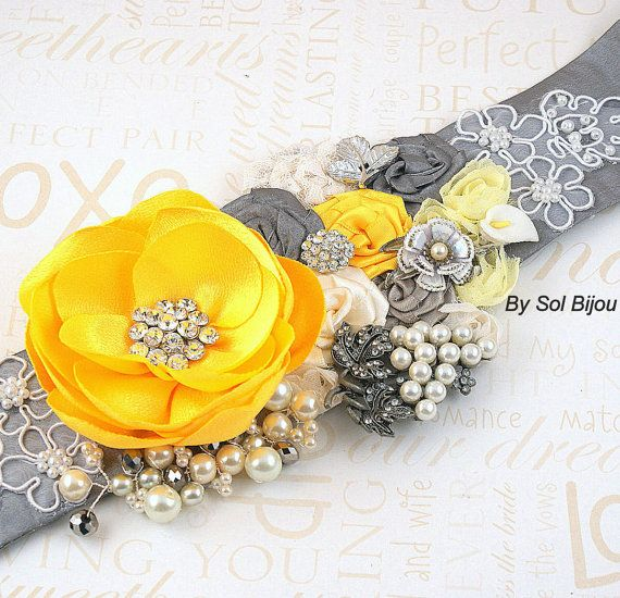 Faja faja - nupcial en amarillo, gris y plata con flores de Satén, encajes, joyas, broches Vintage, perlas y cristales