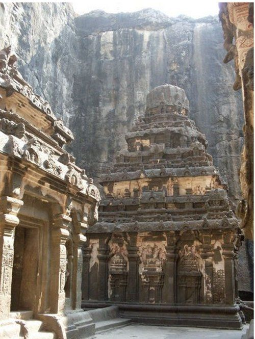 The Ellora caves represents one of the largest rock-hewn monastic-temple complexes in the world.