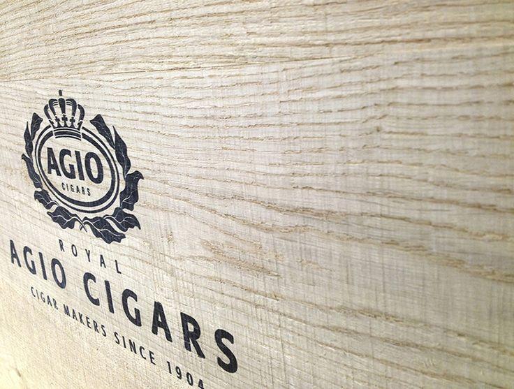 Print op hout, denk aan het verfraaien van uw meubels op kantoor of uw logo mooi uit te lichten.