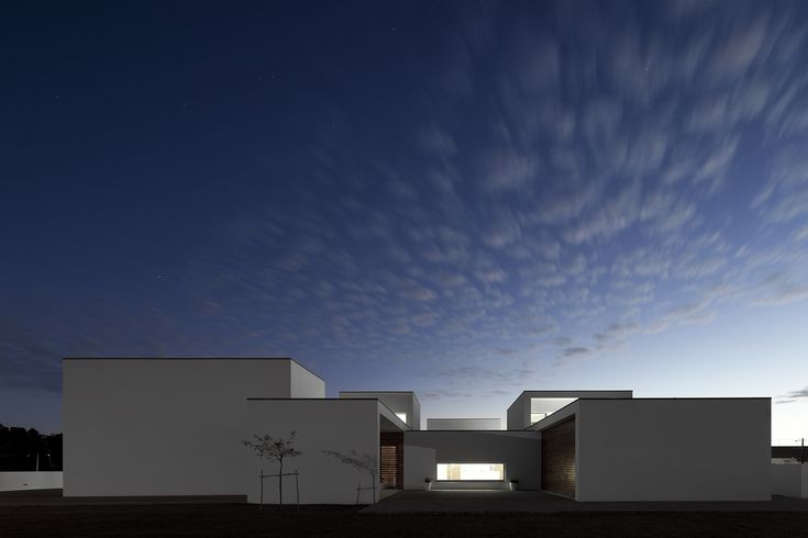 Casa em Aradas / RVdM Arquitecto