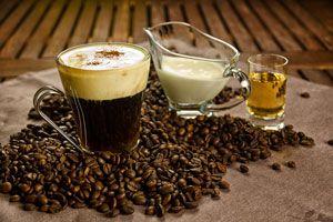 ***¿Cómo hacer Café Irlandés?*** Aprende a preparar café irlandés en casa con el sabor tradicional, fácil y sin elementos especiales....SIGUE LEYENDO EN..... http://comohacerpara.com/hacer-cafe-irlandes_11497c.html