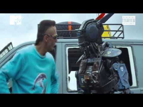 Die Antwoord  Enter The Ninja CHAPPIE (Video Oficial HD)