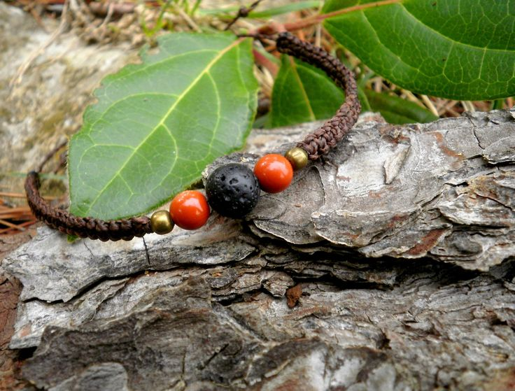 Bracelet ethnique pierres de jaspe rouge et lave de volcan fait main macramé : Bracelet par stonanka