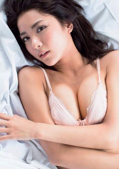 石川恋のグラビア画像071