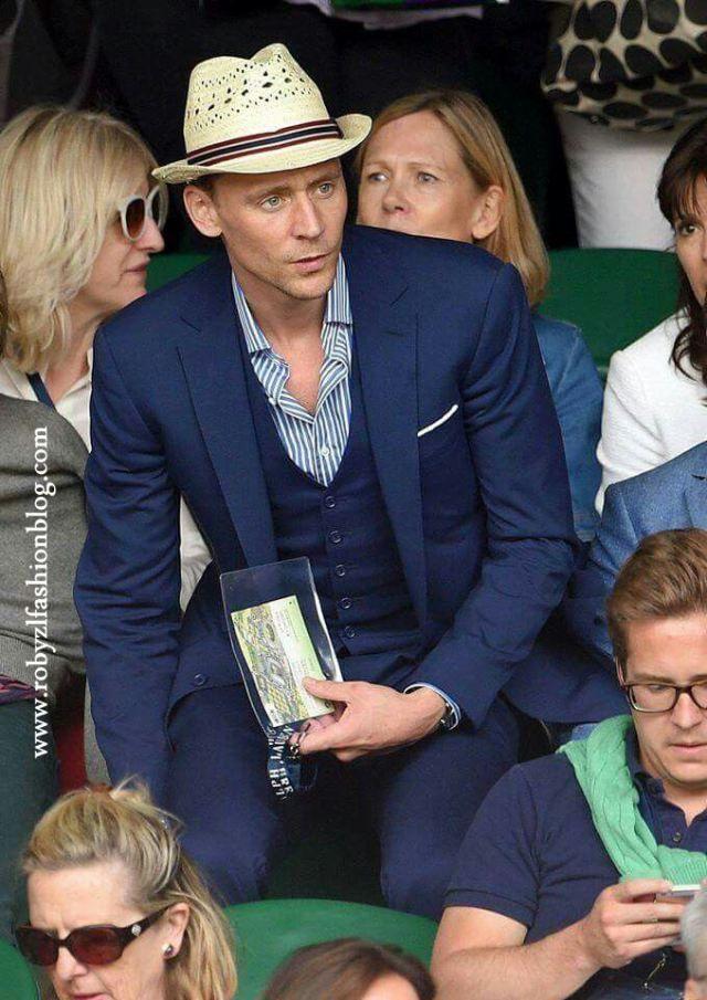 La #finale tra D#jokovic e #Federer ha lasciato tutti con il fiato sospeso...ma   ...anche l'abito di #Victoria #Beckham non è passato inosservato...  Per non parlare poi di #Tom #Hiddleston...10 con lode...! Il mio #Wimbledon Cuori neri (carte) #look new #post now on www.robyzlfashionblog.com #look #style #fashion #pic #picoftheday #photo #photooftheday #tag4like #Love #like4like #tumblr #flikr #social #robyzl #serendipity #ootd #sport #news #london