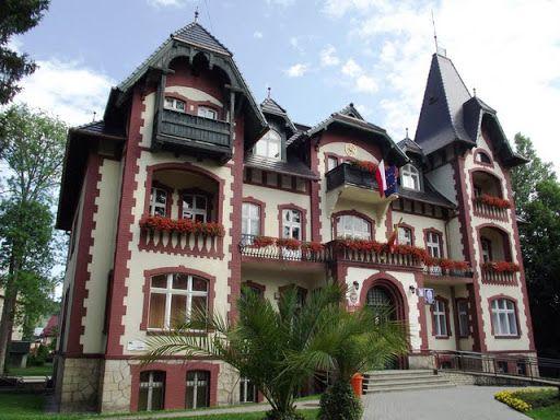 Ratusz w Kudowie Zdroju wybudowany w I połowie XIX wieku.
