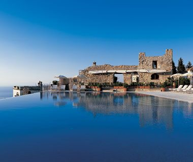 It just goes on forever! Old meets new at Hotel Ravello's gorgeous pool.