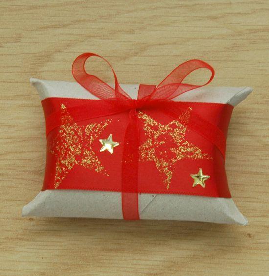 Met toiletrollen een leuke kadoverpakking maken voor kerst, een verjaardag, kraamkadootje of bedankje na de bruiloft.