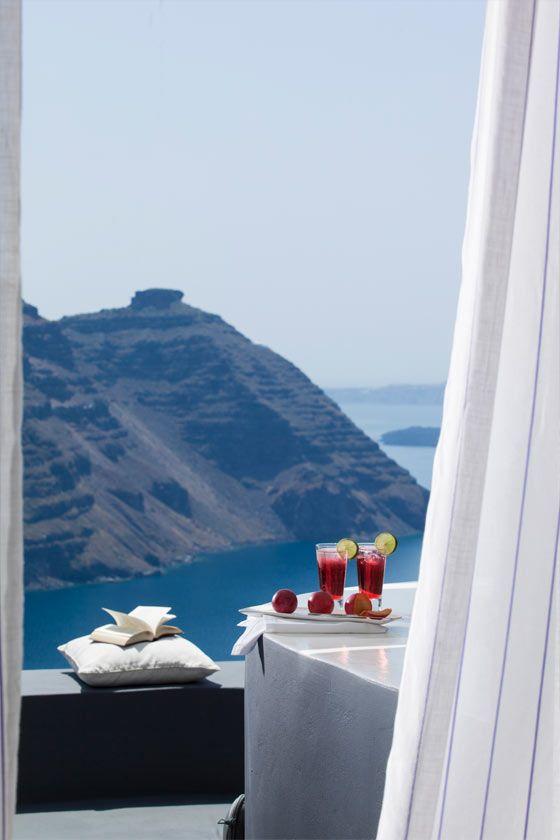 The San Antonio Hotel in Santorini, Greece http://www.mediteranique.com/hotels-greece/santorini/san-antonio-hotel/
