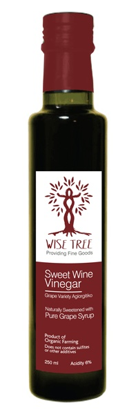 Our sweet vinegar is the intriguing mix of Red Wine Vinegar with Pure Grape Syrup. A unique sweet and sour mélange capable of lifting off every dish it is used in.