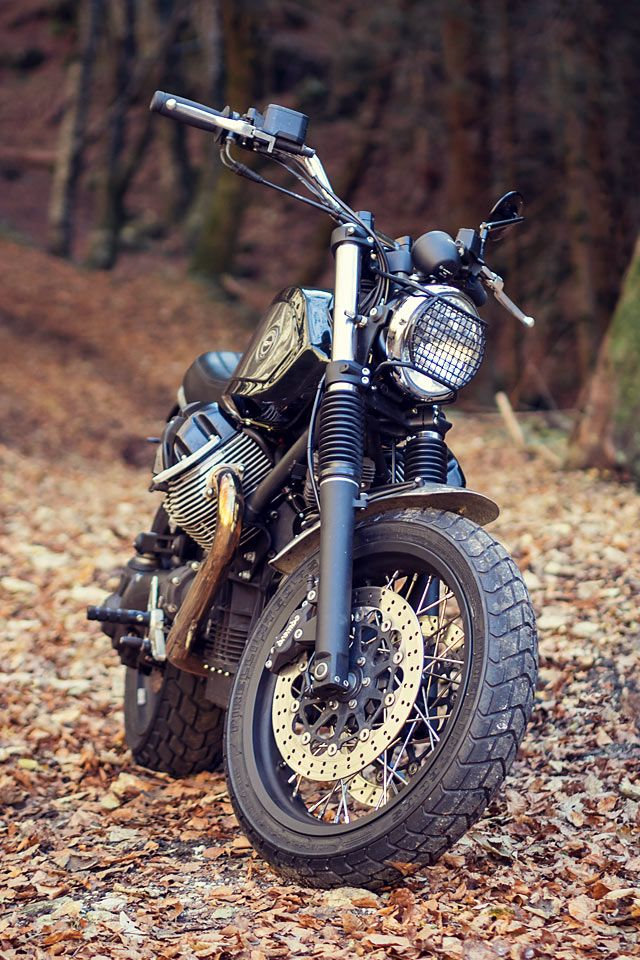 We think it may be time for an intervention. For Officine Rossopuro's Filippo Barbacane, barely a week goes by in which he doesn't send us a 'bugger-me-sideways-that's-an-amazing-build' bike. There can only be a few valid reasons as to the cause of his ceaseless productivity. He's either possessed, a robot, or he has cloned himself half a dozen times. Unable to decide which scenario...