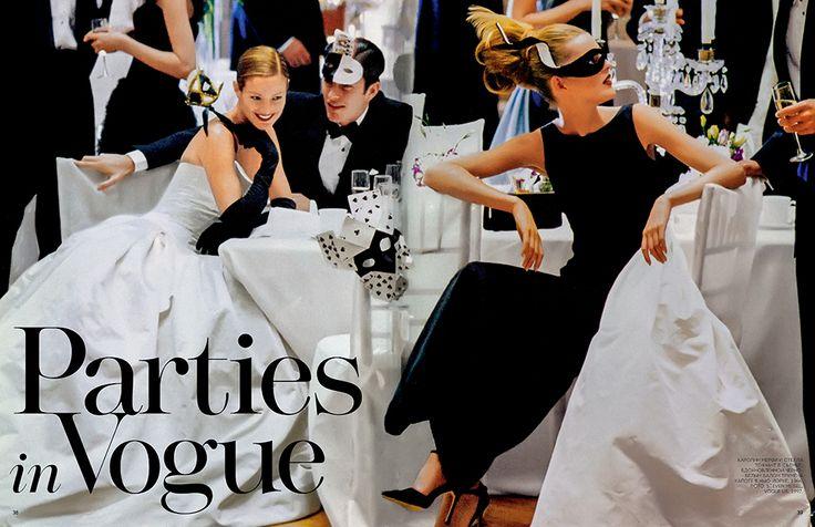 Каролин Мерфи и Стелла Теннант в съемке, вдохновленной черно-белым балом Трумена Капоте в Нью-Йорке, 1966. Фото: Стивен Майзел, Vogue US, 1997