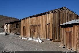 Casas de la antigua mina Alaska cerca de Diego de Almagro, Atacama - Chile