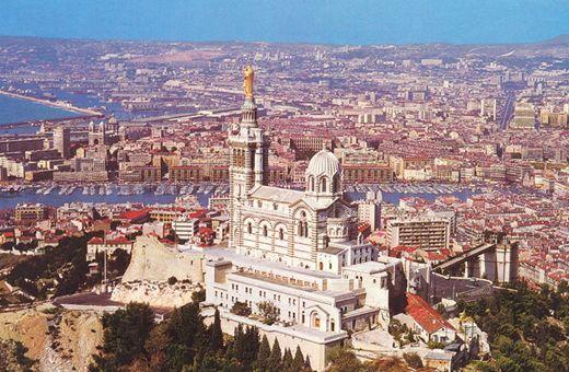 http://www.frankreich.org/wp-content/uploads-frankreich/2009/09/marseille.jpg