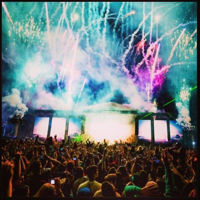 Creamfields tickets ✔️ #omg #excited #creamfields #calvinharris #tiesto #party #london #holyshit #wow #cantwait #bestfriends #coolestthingiveeverdone @roxyloveslondon #Creamfields Check more at http://www.voyde.fm/photos/random-instagram/creamfields-tickets-%e2%9c%94%ef%b8%8f-omg-excited-creamfields-calvinharris-tiesto-party-london-holyshit-wow-cantwait-bestfriends-coolestthingiveeverdone-roxyloveslondon/