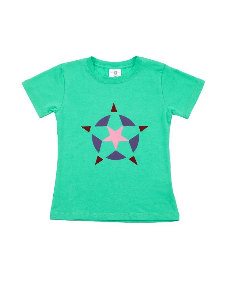【BEANSTALK KIDS グリーン  コットン星Tシャツ】 万華鏡を覗いたときに見えるキラキラしたパターンみたいな柄です♪