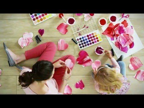 Campaña Solidaria Belleza Comprometida – Beauty That Counts® de edición limitada - YouTube