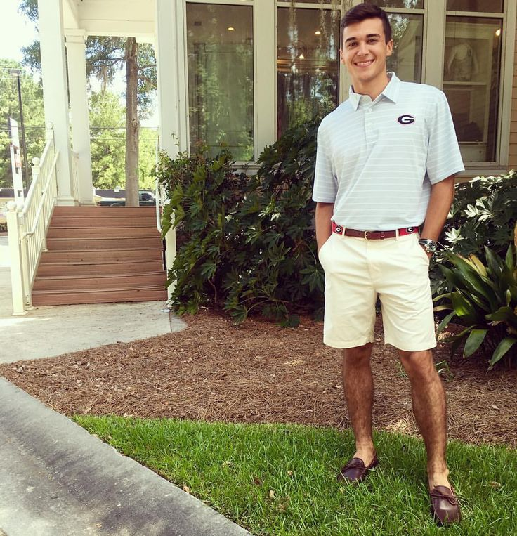 Football season will be here before you know it! Get ready for game day with this UGA Southern Tide polo! 🐶🐾☀️