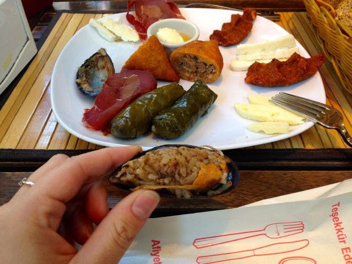 RT @WanderlustChloe: More Than Just Kebabs…A #Food Tour of #Istanbul, #Turkey..http://bit.ly/1FA7S1f
