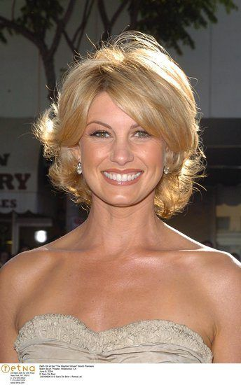 Faith Hill................Women With Beautiful Faces At: https://www.pinterest.com/home0409/beautiful-faces/