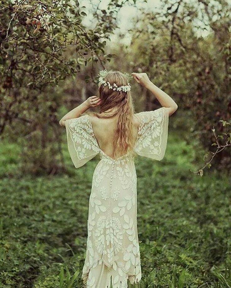 ������#justmarried #happy#brideandgroom #bridetobe #wedding#weddingday #weddinginspiration #eeddingphotography #weddingday #weddingplanner #weddingdecor #weddingdetails #vintagewedding #vintagefashion #vintagefashion #instabride #instawedding #instadaily #instalove #instafollowme #luxurylife #luxuryweddings #engagementphotos #engagementparty http://gelinshop.com/ipost/1514786077330686266/?code=BUFmeliAME6