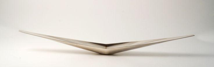 VOLO__ Centrotavola/table center, 1978__ Metallo argentato/silver metal__ Disegno/design Gio' Ponti__ Produzione/manufacture Lino Sabattini__ Riedizione/reissue Christofle, 2008__ Foto/photo Emanuele Zamponi__ www.linosabattini.com