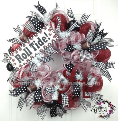 Deco Mesh University of Alabama Roll Tide Collegiate Door Wreath by www.southerncharmwreaths.com #rolltide #bamadecor #alabama #football