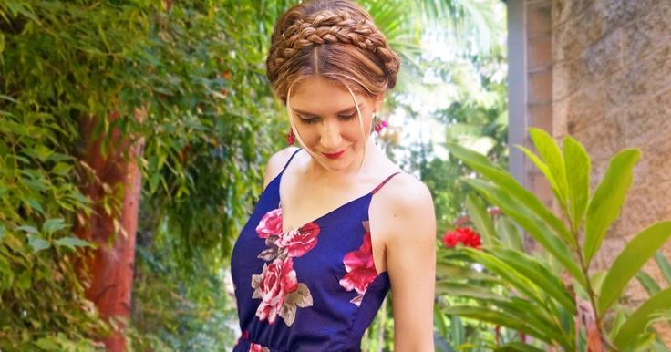 Thursday February 19, 2015     Hi guys! Here is yet another Spring inspired look , this timeusing a pretty floral jumpsuit I bought a...