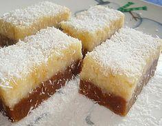 Μπαγιαδέρα: μειγμα με αλεσμενα μπισκοτα και κακαο + μειγμα με αλεσμενα μπισκοτα και ινδοκαρυδο. Γλυκες Τρελες: Οικονομικο γλυκο ψυγειου!