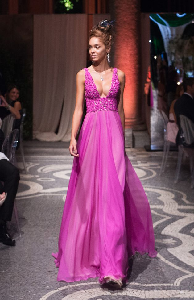 160014 - V deep neckline long seath dress in #chiffon mousseline with embroidered bodice in chiffon cubes and #sequins