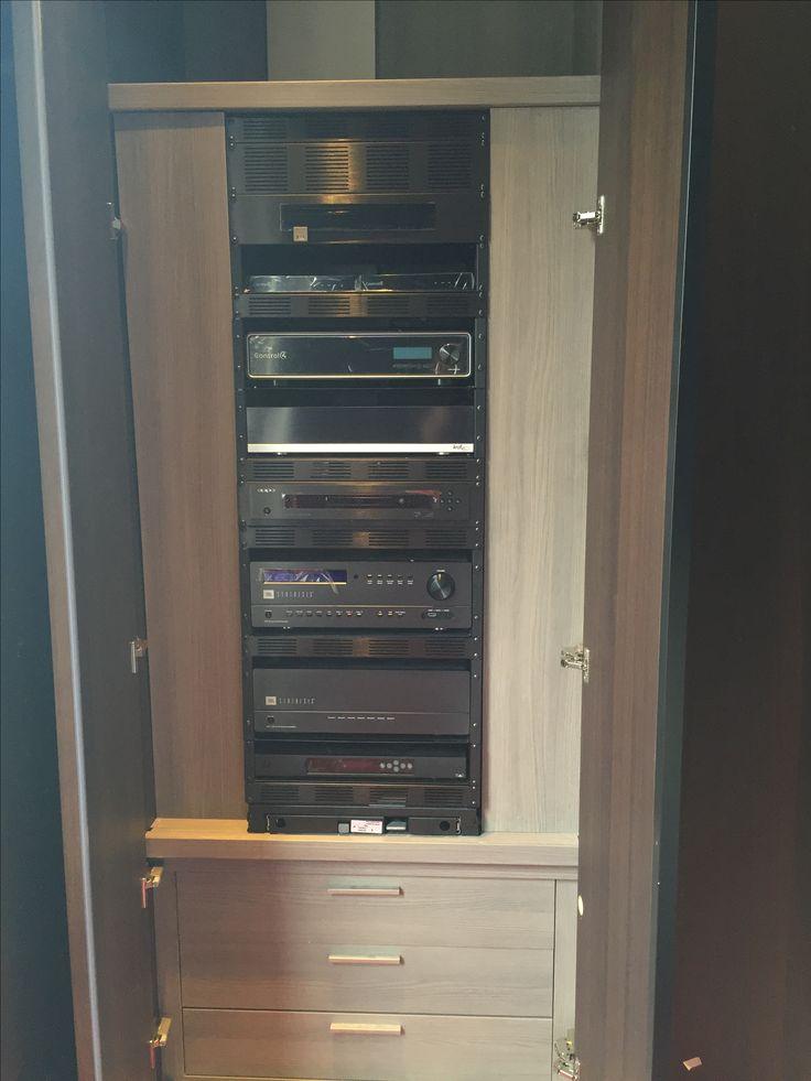 Mise en Rack de l'ensemble home cinema Jbl (ampli/preampli) SDA 7200 & SDP-25. Installation Art&sound Paris 8eme