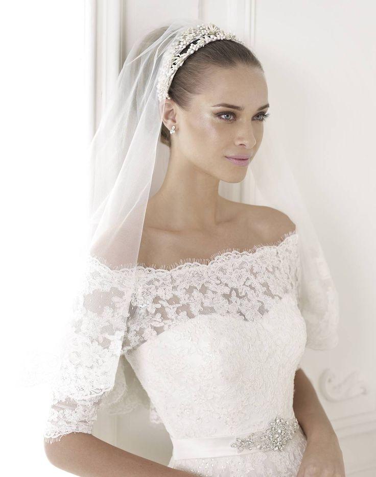 Best - Pronovias 2015 kollekció - Esküvői ruha szalon - Menyasszonyi ruha kölcsönzés