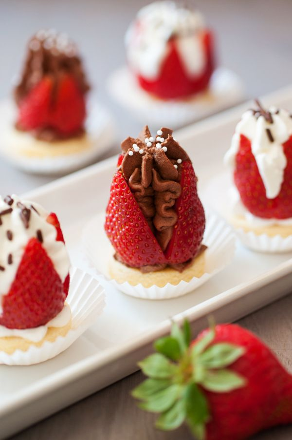For both the whipped cream and chocolate cream lovers, these strawberries 'n cream bites made with @saraleedesserts frozen pound cake are bursting with flavor that will suit all palates