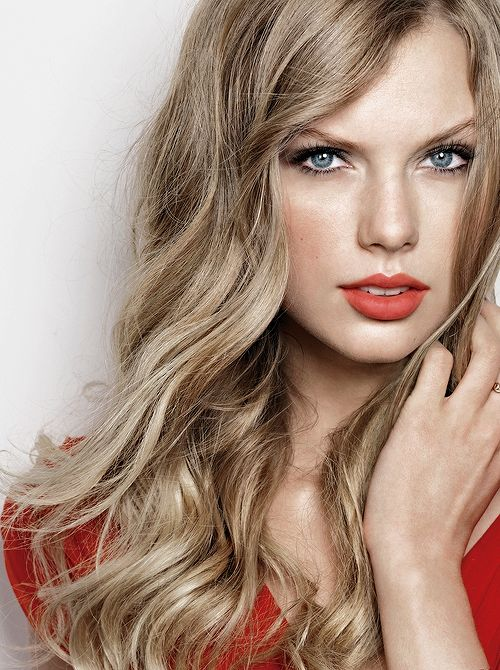"Taylor Swift - ""You know, I never read one hateful thing said about me by some 12 year old, so I got to live an actual life. And I've kept that mentality. Just because there's a hurricane going on around you doesn't mean you have to open the window and look at it."""
