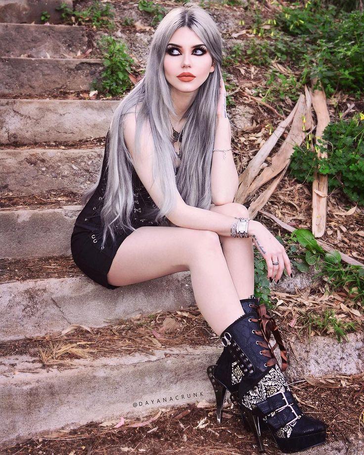 Gothic Goth Girl Fashion: Dayana Crunk (@dayanacrunk) On