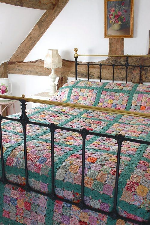 ஜ۩۞۩ஜ Colcha de Fuxico Colorida -  /   ஜ۩۞۩ஜ Bedspread  of Fuxico Colorful -