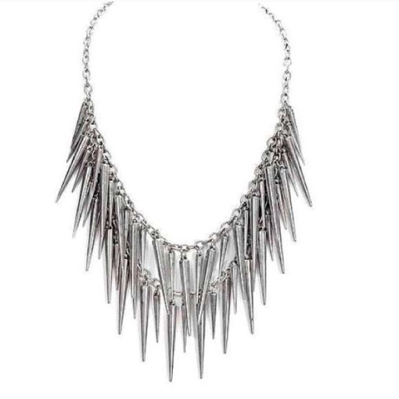 CLOSET CLEAROUTGunmetal Spike Necklace Beautiful gunmetal spike necklace. Never worn. Jewelry Necklaces