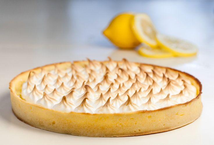 Tarte au citron meringuée {Lemon Meringue Pie} Cette recette je l'ai apprise au cours de mon stage à l'Institut Paul Bocuse. C'est grâce à ce chef pâtissier que je me suis réellement découverte une...