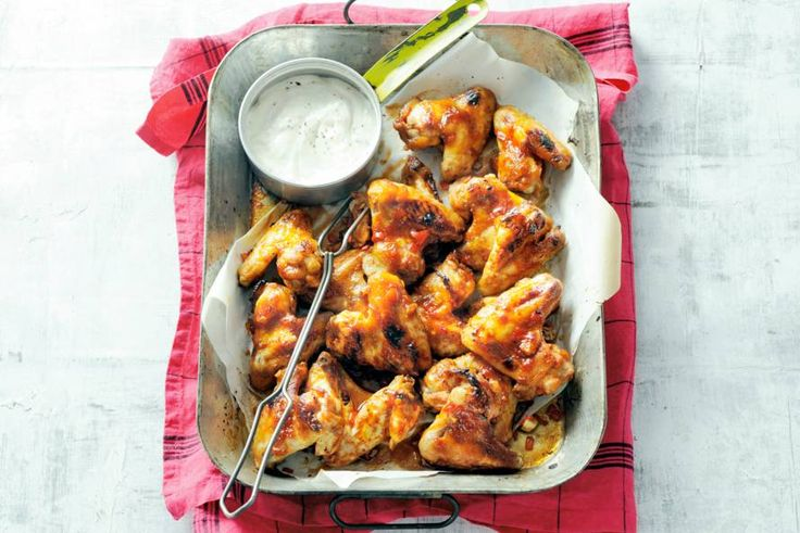 Lekker als borrelhapje deze kippenvleugels met pittig-zoete zelfgemaakte marinade - Recept Allerhande