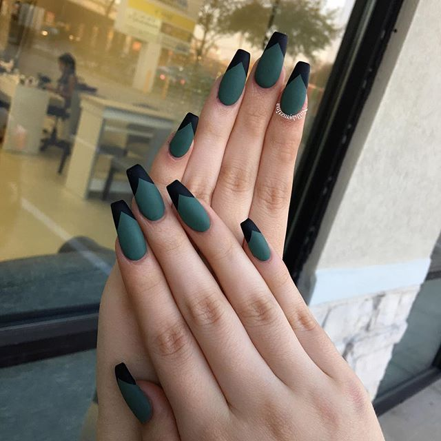 Best 25 edgy nails ideas on pinterest neutral nail designs matte queen nailsbymztina instagram photos websta prinsesfo Choice Image