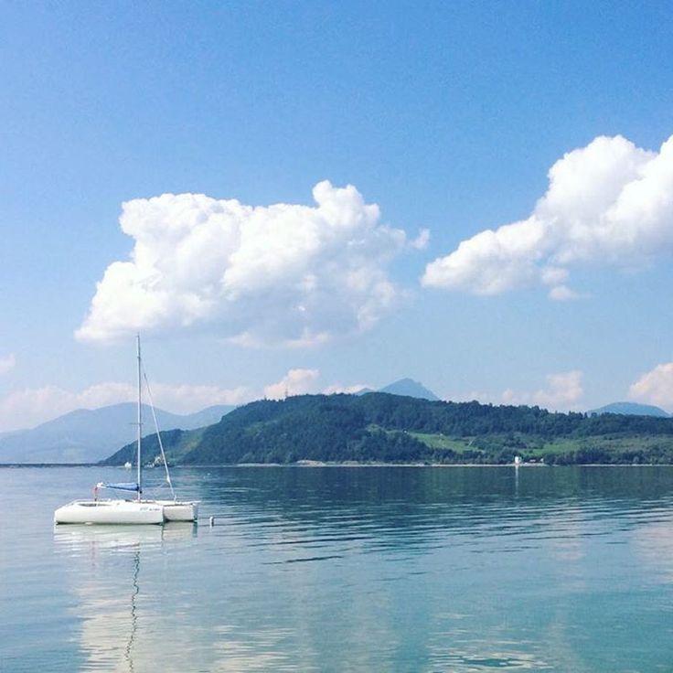 Liptovská Mara , Slovakia • Липтовска Мара - водохранилище на севере Словакии. • #yachting #liptov #liptovskamara #yacht #luxury  #mountain #extreme #yolo #active #activepeople #sport #noalcohol #nodrugs #nature #people #summer #watersports #lake #mountai