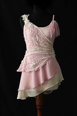 Carolina Figueroa Diseño y realización de vestuario para teatro y danza. Vestuario escénico.
