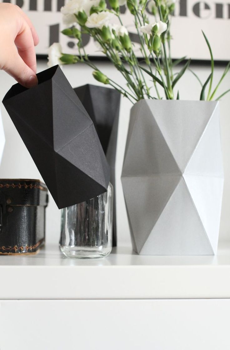 "nurin-kurin: DIY ""let's hide the ugly vases""//Repinned via Decorget"
